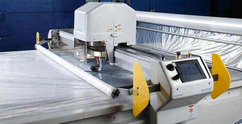 Máy cắt vải tự động đang được các thợ may ưa chuộng nhất hiện nay