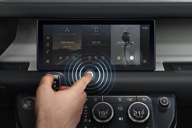 Màn hình cảm ứng được sử dụng trong động cơ ô tô